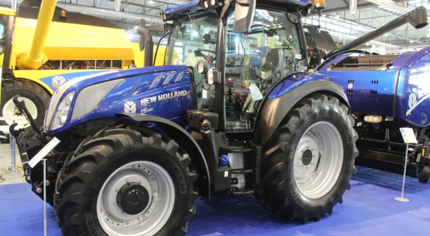 New Holland T5 AutoCommand w wersji BluePower