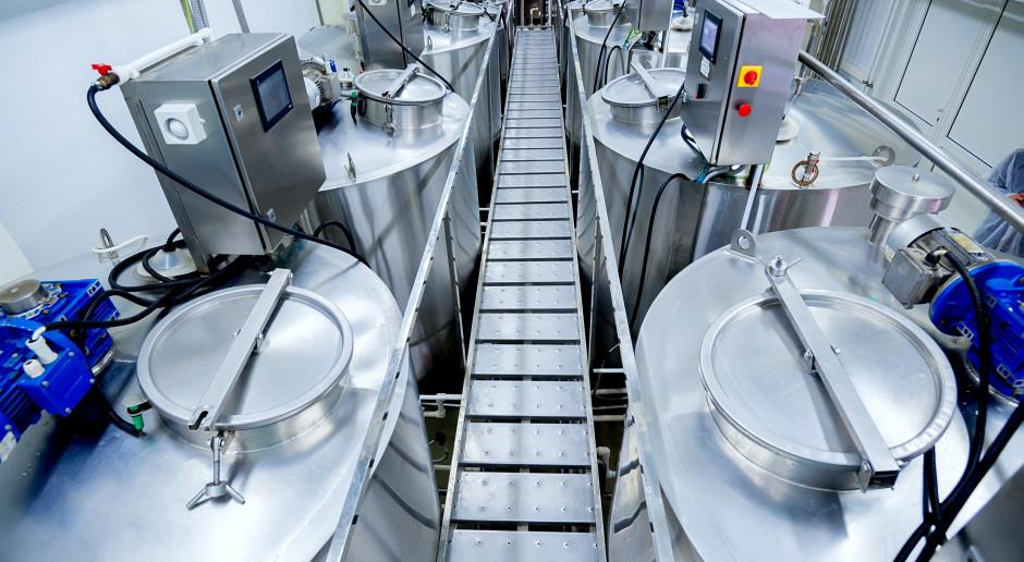 Rynek mleka UE: Spadek cen produktów standardowych w czerwcu