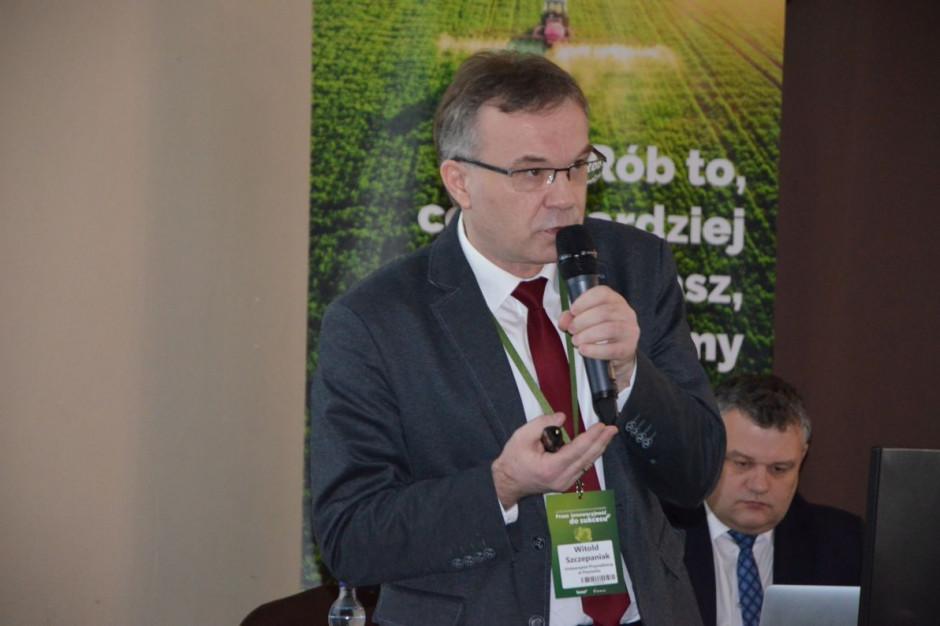 Dr hab. Witold Szczepaniak podczas regionalnej konferencji Farmera w Starych Jabłonkach, fot. M. Tyszka
