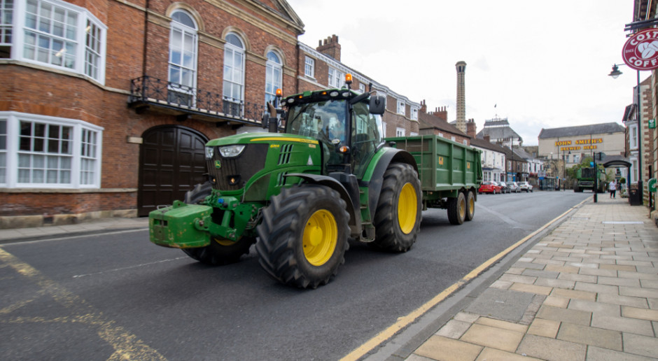 Zakaz wjazdu na drogi dla ciągników w Wielkiej Brytanii