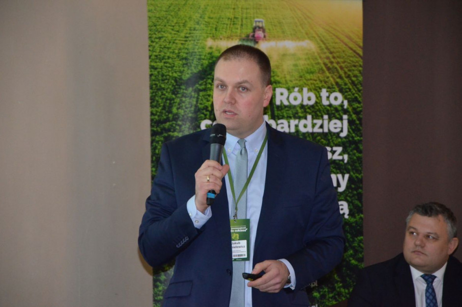 Jakub Danielewicz z IOR-PIB podczas wystąpienia w Starych Jabłonkach, fot. M. Tyszka