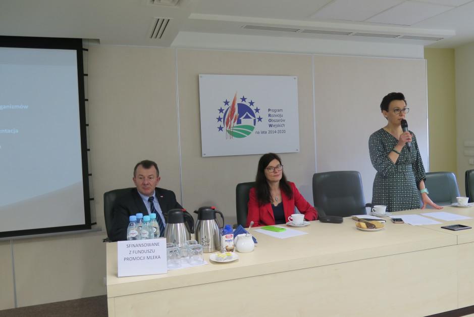 Agnieszka Maliszewska, Dyrektor PIM (z prawej) Nina Dobrzyńska, Dyrektor Departamentu Ochrony Roślin i Nasiennictwa MRiRW, Bogdan Konopka, Główny Lekarz Weterynarii