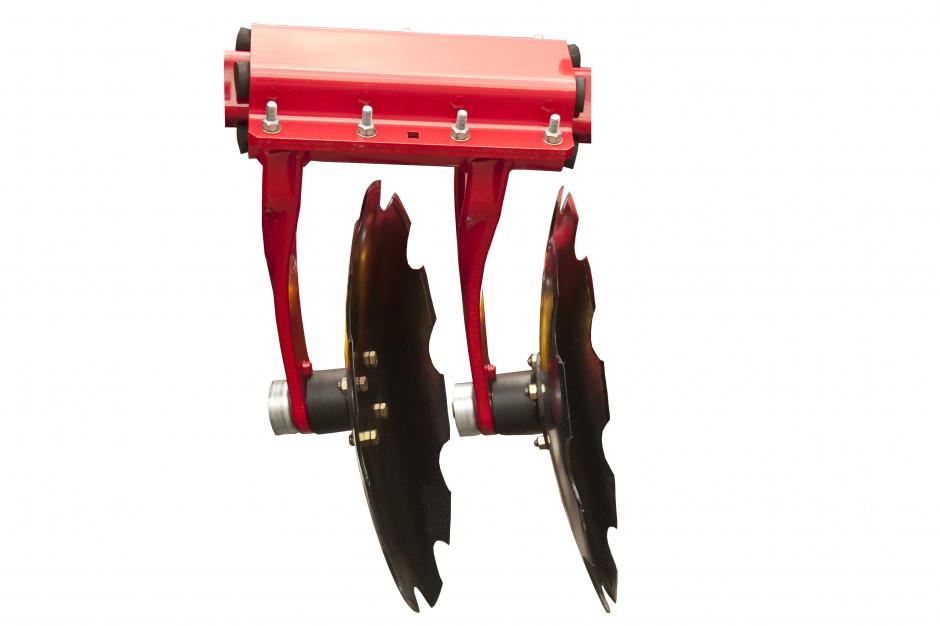 Cechą charakterystyczną bron Terradisc jest system mocowania dwóch ramion, na których znajdują się talerze na jednym uchwycie, dzięki temu talerze są bardziej agresywne i doskonale radzą sobie nawet z twardą suchą glebą.
