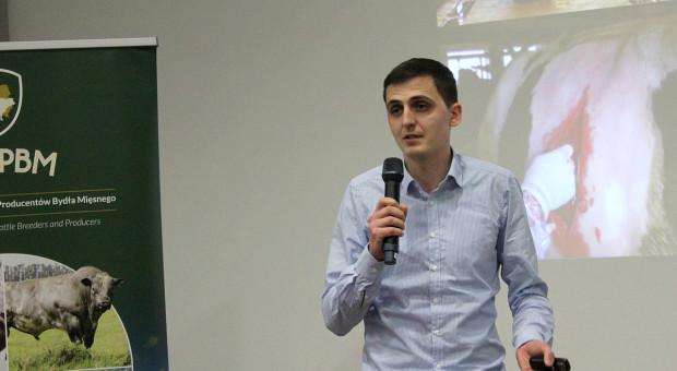 Lek. wet. Wojciech Wójcik wskazywał na rolę dobrostanu w profilaktyce chorób bydła