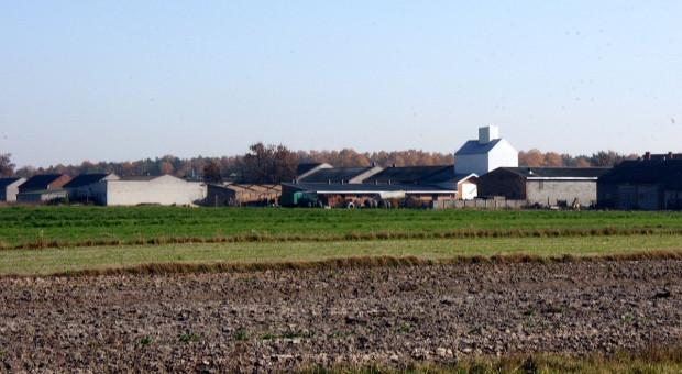 Konfliktom na wsi winni sami rolnicy sprzedający działki budowlane?
