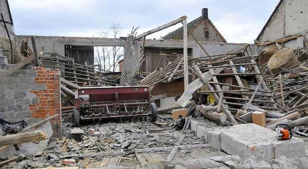 Wichura powaliła stodołę w Wielkopolsce