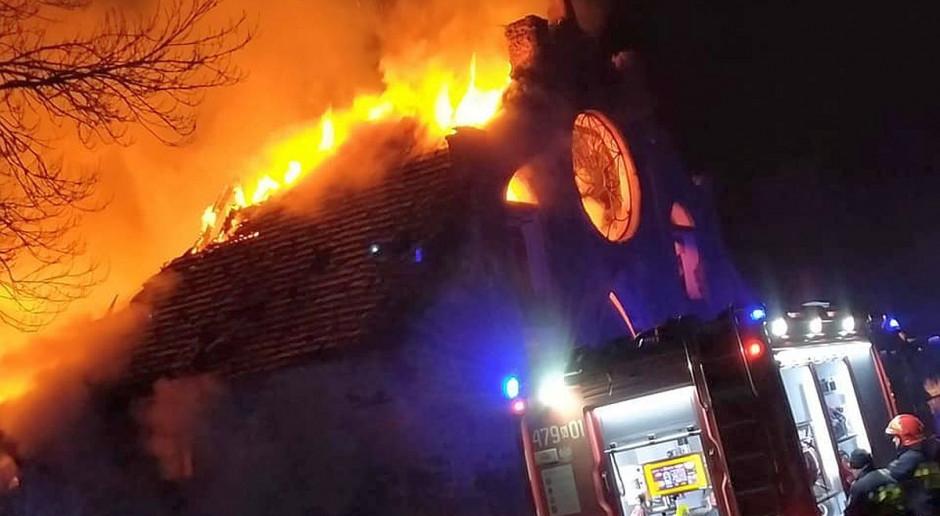 Spłonął zabytkowy spichlerz w Drogoszach