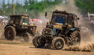 Wyścigi ciągników Bizon Track Show 2019 to ekstremalna jazda po rosyjsku, fot. mat. prasowe