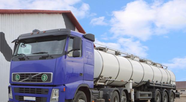 Mleczarnie uspokajają dostawców mleka?
