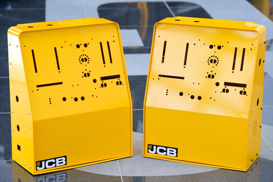 JCB dostarczyło już próbną partię obudów, docelowo ma ich wyprodukować 10 000 sztuk