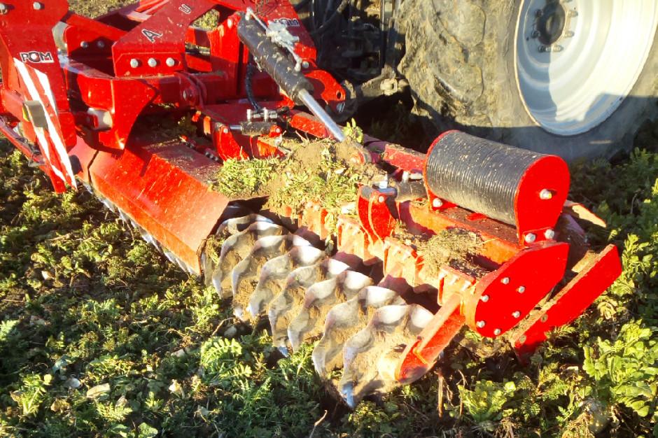 okiPrzygotowanie pola pod siew buraków w uprawie bez pługa