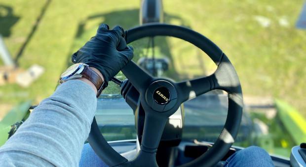Czy rolnik ma wsparcie serwisowe i może czuć się bezpiecznie podczas obsługi serwisowej swojej maszyny?