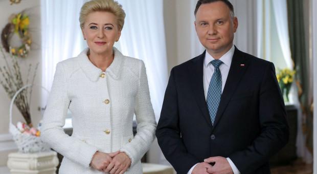Para prezydencka złożyła życzenia z okazji Wielkanocy