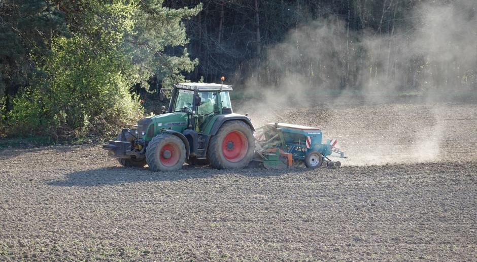 Ukraina: Rolnicy rozpoczęli zasiewy soi