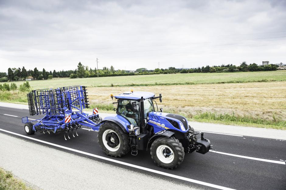 Trzy modele kultywatorów uprawowych New Holland z serii SGX