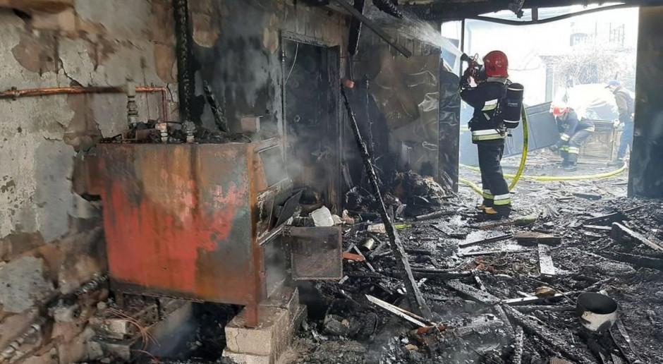 Pożar strawił warsztat i garaż