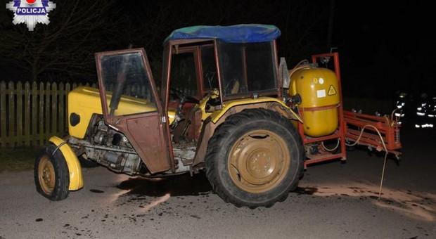 Jedno auto wjechało w traktor, a drugie w strażaków pędzących na pomoc