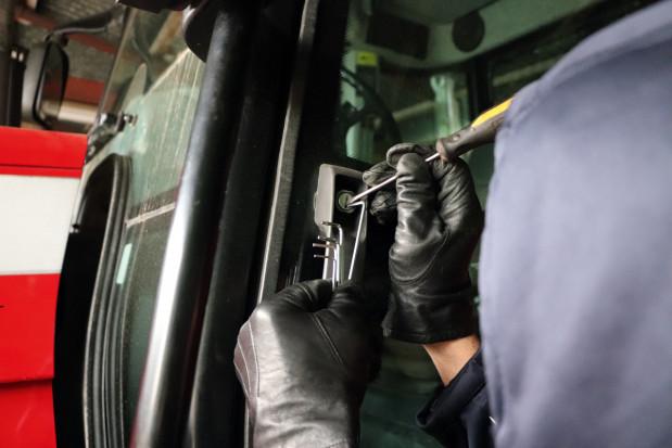 Jak zabezpieczyć maszynę przed kradzieżą?