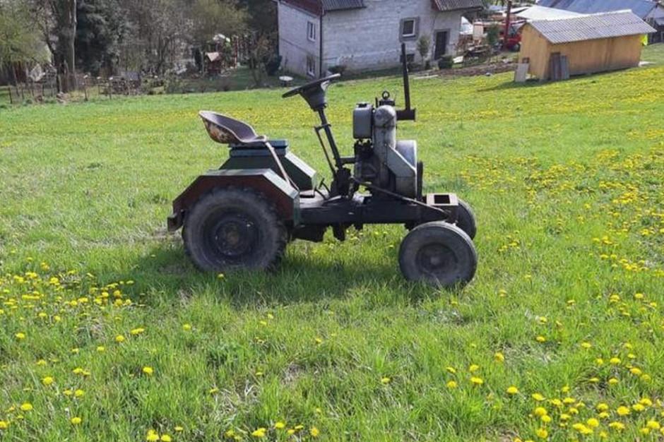 Ciągnik wywrócił się na wzniesieniu pastwiska, Foto: OSP Krużlowa Wyżna