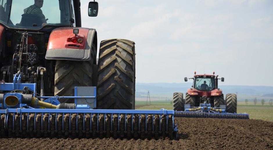 """Czy istnieje """"trzecia droga"""" dla polskiego rolnictwa?"""