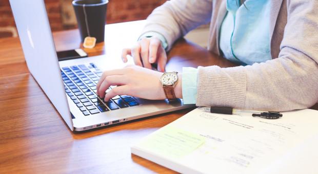 Jak obliczyć dochód starając się o stypendium pomostowe?