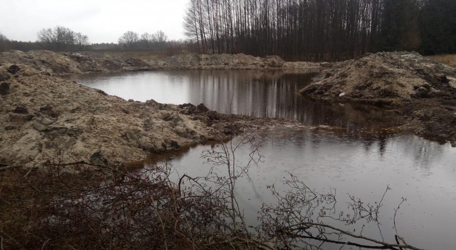 Walka z suszą w praktyce: Jak rolnik zmagazynował wodę?
