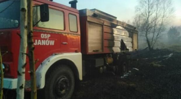 W czasie akcji gaśniczej spłonął wóz strażacki