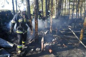 Z pożarem walczyło 5 zastępów strażaków z powiatu skarżyskiego