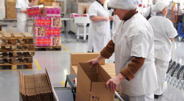 USA: Firmy drobiarskie sprzedają mięso na parkingach przed zakładami