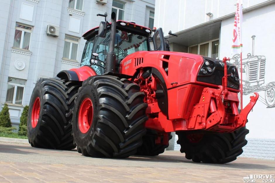 Nowy MTZ Belarus 4522 prezentuje się imponująco, fot. mat. prasowe/Com-drive