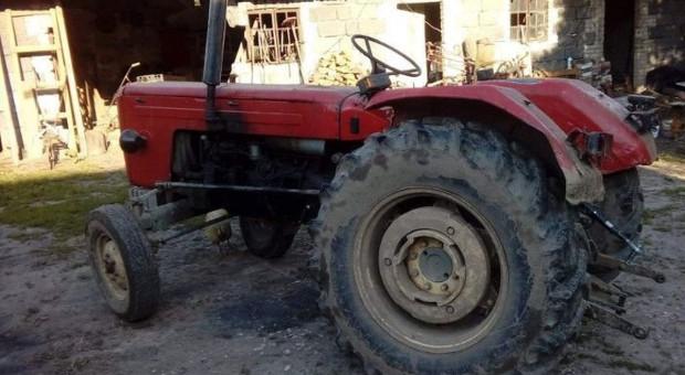 Rolnik przygnieciony traktorem