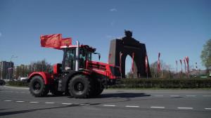 Parada ciągników Kirowiec w Petersburgu z okazji Dnia Zwycięstwa, fot. mat. prasowe