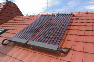 Dlaczego warto inwestować w kolektory słoneczne?