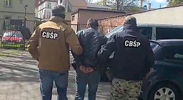 Policja rozbiła gang wyspecjalizowalny w kradzieżach środków ochrony roślin