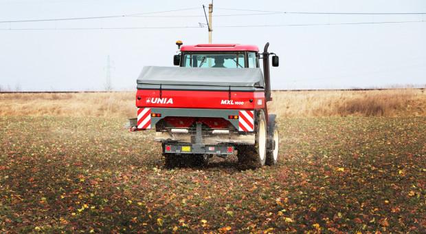 Rozsiewacz Unia MXL 1600 - precyzyjny i jaki jeszcze...? Test Farmera