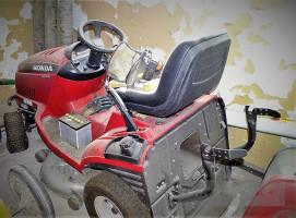 A może samojezdna kosiarka-traktorek Honda HF2417 w cenie wywoławczej 6500 zł (OR AMW Bydgoszcz), fot. mat. prasowe