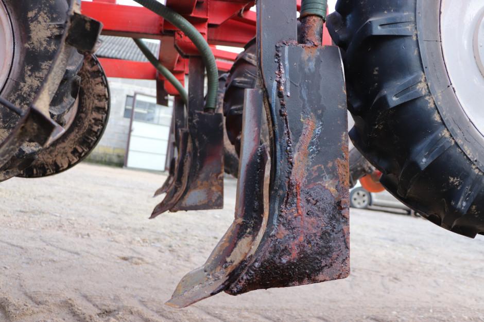 Głównym założeniem podczas prac nad kształtem redlic, było stworzenie rozwiązania, które w jak w najmniejszym stopniu będzie mieszało glebę
