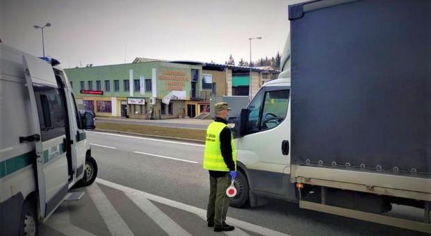 Nielegalni migranci w transporcie arbuzów