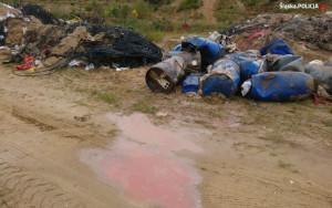 Zdarzało się też, że niebezpieczne substancje wylewano na gruntach. W kilku przypadkach doszło do skażenia gleby