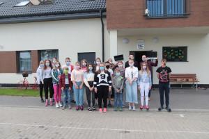 Brzezie. Pracownicy firmy PhosAgro Polska przekazali dzieciom sprzęt do nauki zdalnej, fot. materiały prasowe