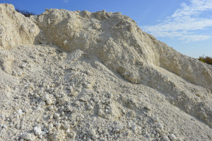 Wapno tlenkowe należy stosować zrozwagą, ponieważ szybko może podnieść odczyn gleby znacznie powyżej pH 7,2