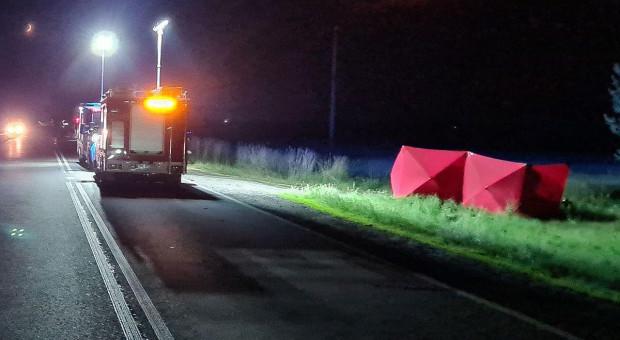 Motocyklista najechał na opryskiwacz, zginął na miejscu