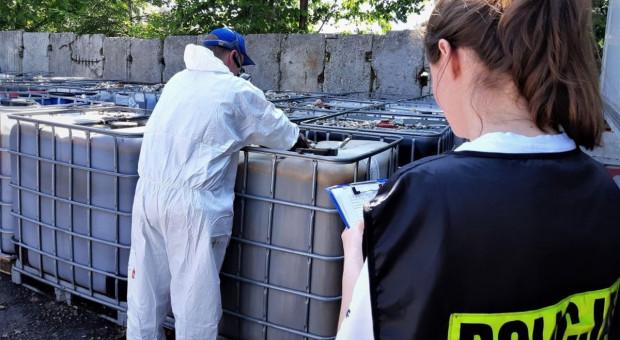 Śląska policja wykryła ponad 100 tys. litrów niebezpiecznych odpadów