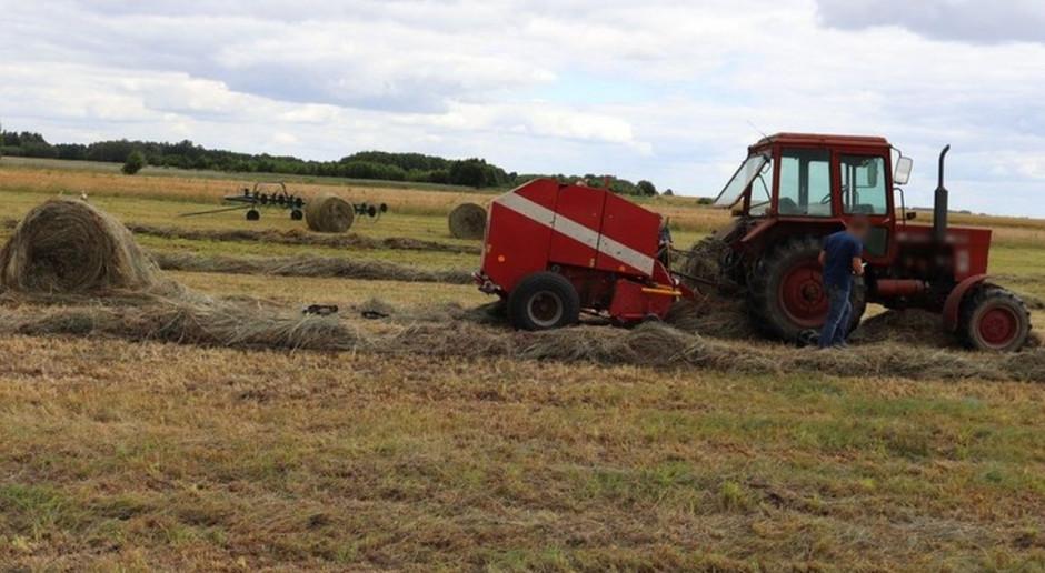 Maszyna wyrwała rolnikowi rękę