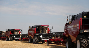 """Kombajny Gomselmash """"w gazie"""" pracują już na białoruskich polach"""