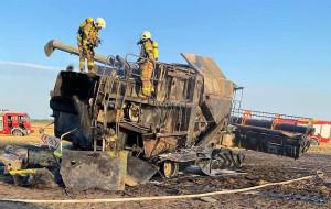 Strażacy musieli pracować w aparatach ochrony dróg oddechowym, Foto: OSP Stęszew