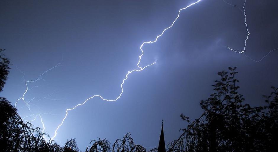 IMGW: burze z gradem na południu Polski