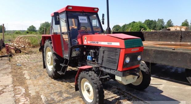 Ursusy, przyczepy, autocysterny i inne maszyny rolnicze do kupienia od wojska!