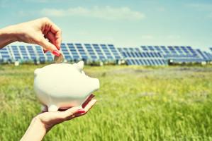 Bilansowanie określa sposób rozliczania energii pobieranej i oddawanej do zakładu elektroenergetycznego przez właścicieli instalacji fotowoltaicznych. W większości przypadków instalacje elektryczne w gospodarstwach  są obciążona asymetrycznie – znaczy to tyle, że na każdej z faz jest inne zapotrzebowanie na energię elektryczną. Foto. Shutterstock
