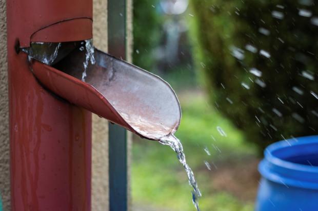 Jak skutecznie oszczędzać wodę w gospodarstwie domowym?